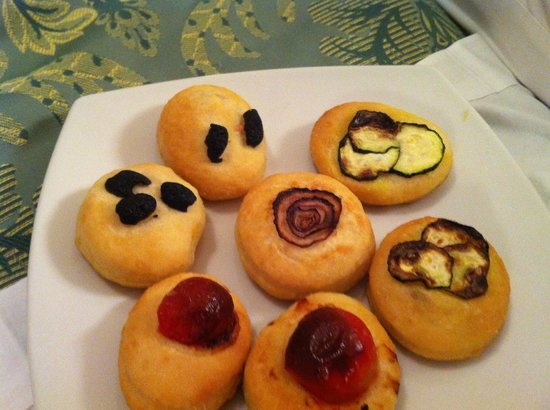 "Grand Hotel del Gianicolo: Nice little ""pizzas"""
