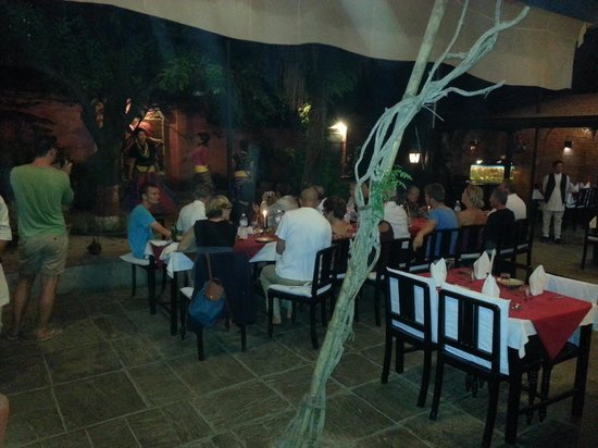 Group foto di thamel house restaurant kathmandu - Home restaurant normativa ...