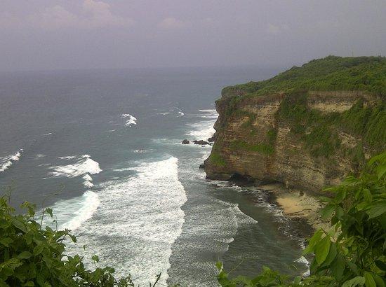 Bali Trust Driver - Private Tours: Ocean View from Uluwatu Temple