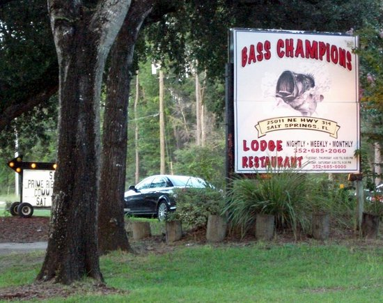 Salt Springs Recreation Area: Bass Champions Restaurant