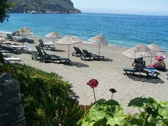 Ozdemir Pension: No need to rush. The sea is 50 meters away.