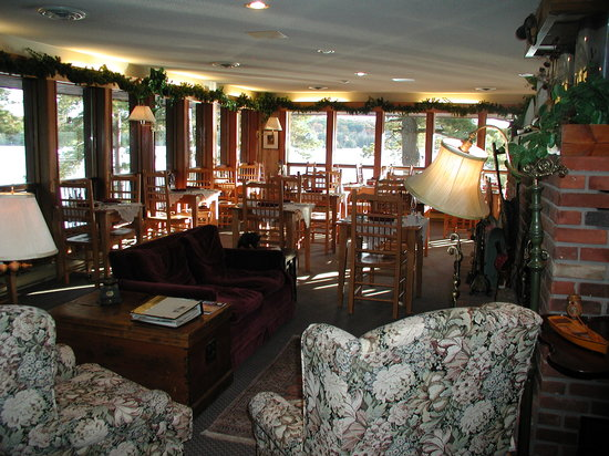 Westwind Inn on the Lake: Casual but Elegant dining