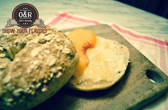 Ozro & Ray's Authentic Homestle Bagels: Just Peachy Bagel