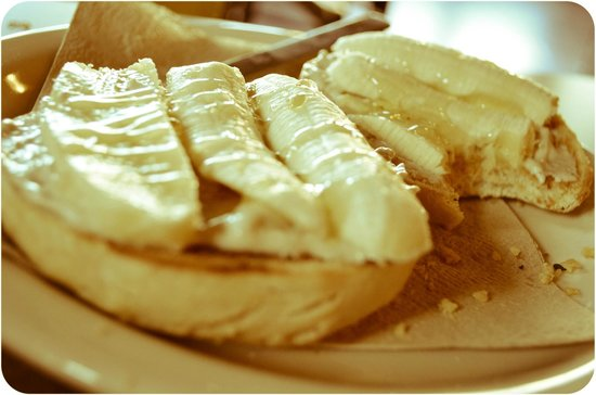 Ozro & Ray's Authentic Homestle Bagels: Peanut Butter Crunch Bagel with Honey Banana Cream Cheese