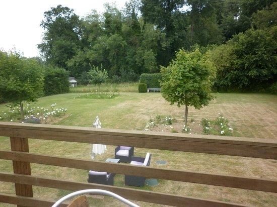 Les Jardins D'Ulysse: vue de la terrasse