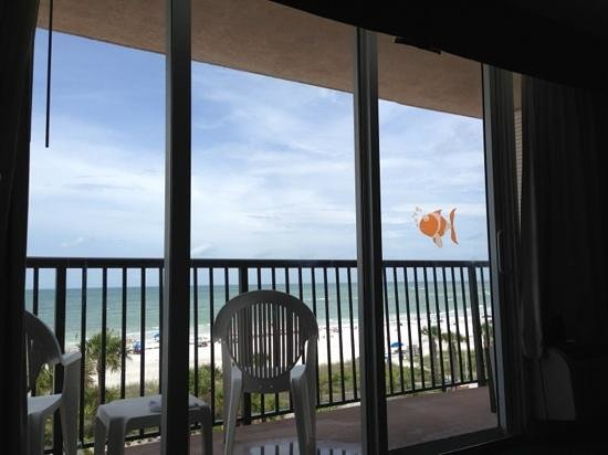Holiday Inn Sarasota - Lido Beach: View from bed on 4th floor