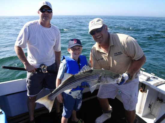 Catching fish picture of fish pier charters chatham for Cape cod fishing party boats
