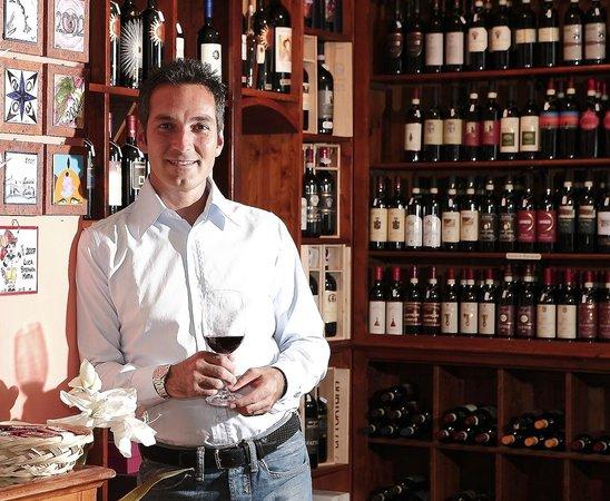 Il Barlanzone: wine shop ground floor