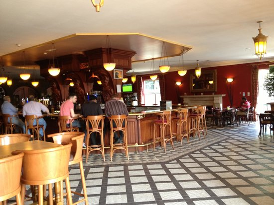 Sheldon Park Hotel: Great bar.