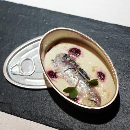 Restaurante Pablo: Sardina marinada con ajo blanco y cereza