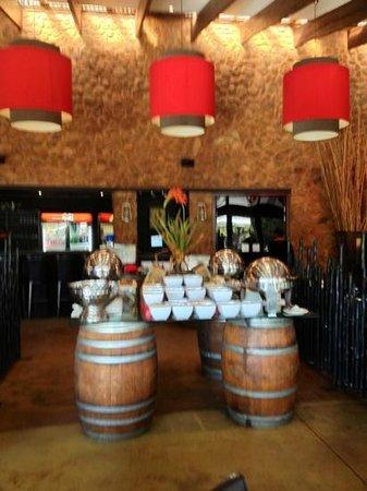 Thaba Eco Hotel: Il buffet nella sala ristorante