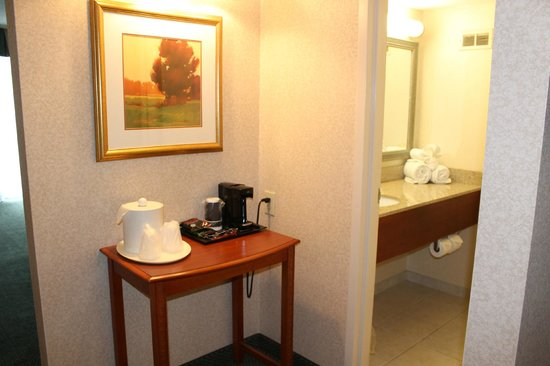 Holiday Inn Cincinnati Riverfront: Here is the first thing you see when you walk in