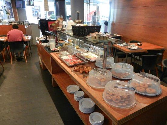 Barcelona Century Hotel: Sala colazione