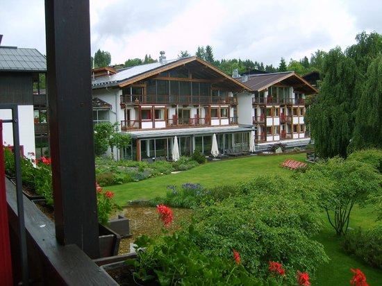 Hotel Kitzhof Mountain Design Resort : seitlicher Blick vom Balkon