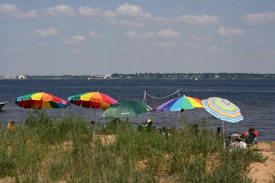 Muskegon State Park : View of Muskegon Lake and our beach umbrellas.