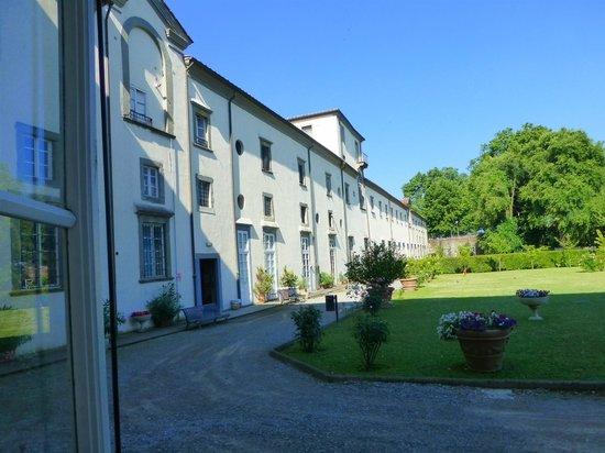 Ostello San Frediano: Jardin monastique