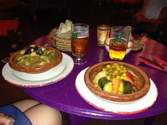 Restaurante Souk: tajine agnello e prugne e cous cous con verdure