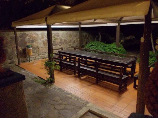 Villa Ridente Club: barbecue e zona attrezzara