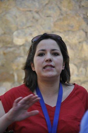 Albarracin, Espanha: Isabel. Una guia profesional