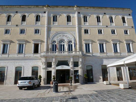 Grande Albergo Internazionale : Front of hotel