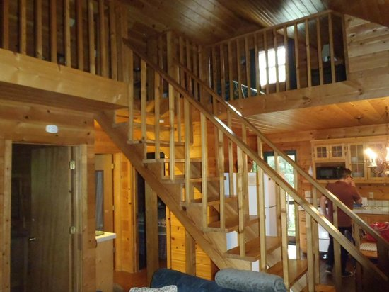 Mountain Springs Cabins: Loft