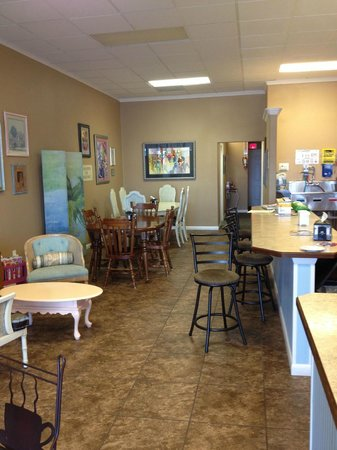 Island Coffee Haus: looking toward the count