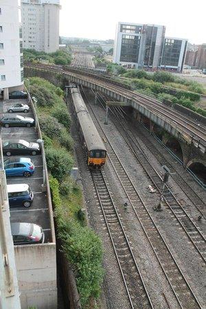 Meridian Terrace Serviced Apartments: train spotters paradise