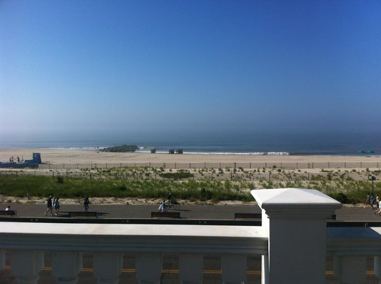 931 Beach Guest House: View from Atlantic room