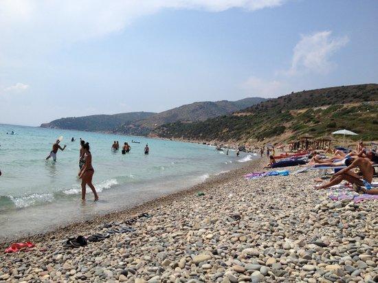 Quartu Sant'Elena, Italy: Parte della Spiaggia con le pietre