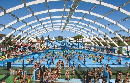 Aquashow Park: Aquashow Piscina de Ondas