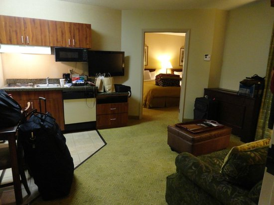 Homewood Suites by Hilton Atlanta - Buckhead: also a refrigerator and table with chairs