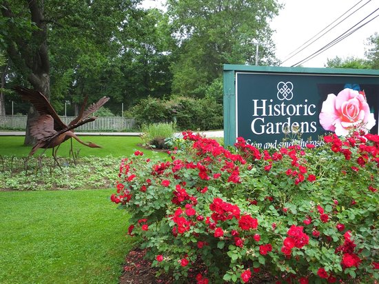 Annapolis Royal Historic Gardens: Sign out front