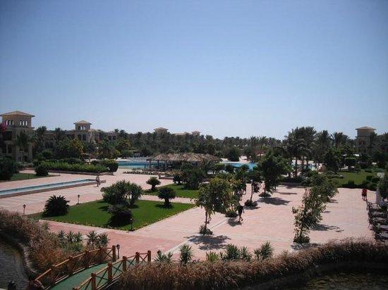 Jaz Mirabel Beach: Overlooking the hotel grounds