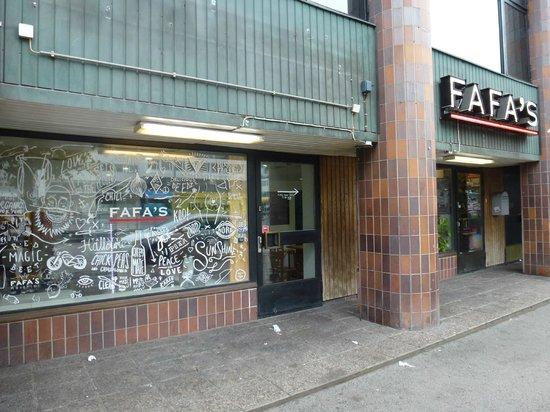Fafa's: facade of the shop