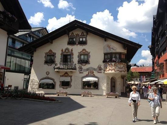 Hotel Olympia Garni: Seefeld Village