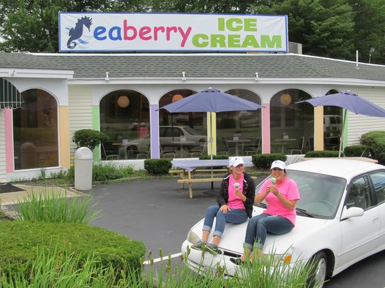 Seahorse Resort: Loving the Ice Cream