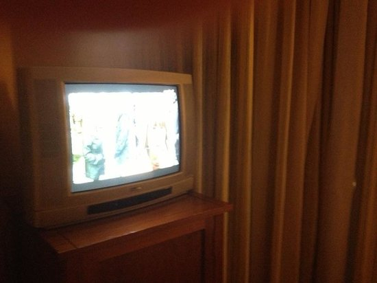 Hotel Juan Miguel: Esta é a TV.
