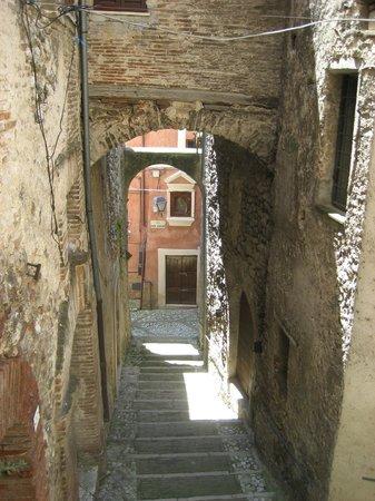 Contigliano, Italy: Vicolo caratteristico