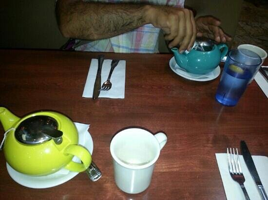 Crepevine: English breakfast tea for two