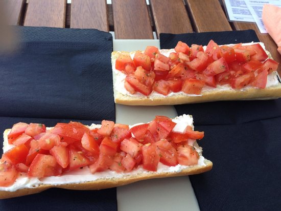 Alta Marea: Bruschetta for one at Altameara
