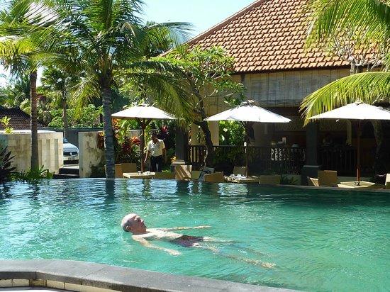Natya Hotel Tanah Lot : la piscine