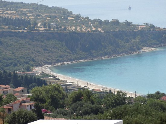Andromeda Restaurant: View of Lourdas beach