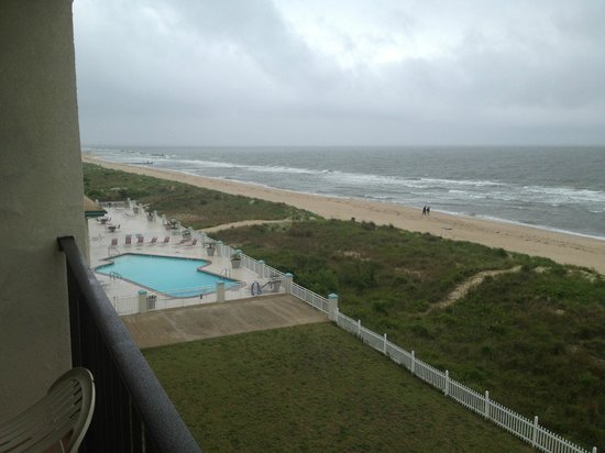 Best Western Plus Holiday Sands Inn & Suites: View from balcony