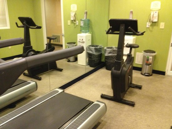 Best Western Plus Holiday Sands Inn & Suites: Small gym