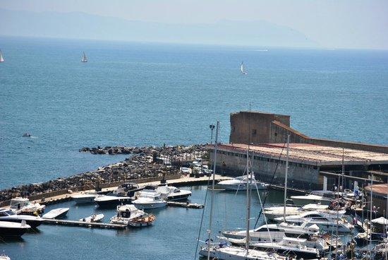 Grand Hotel Vesuvio: Harbour