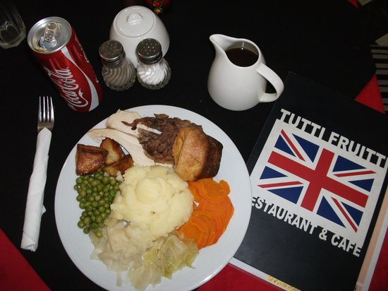 Tutti Frutti  Restaurant : My Sunday roast complete with Bisto!
