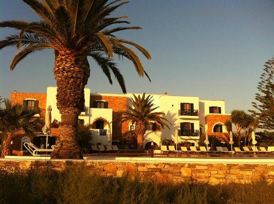 Galaxy Hotel : Hotel from beach
