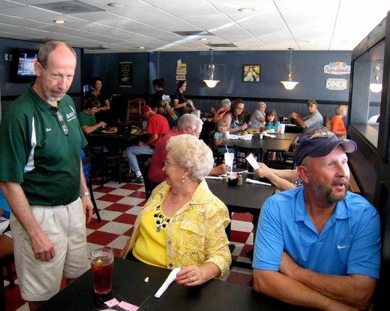 Berty's Diner: Bert greeting customers