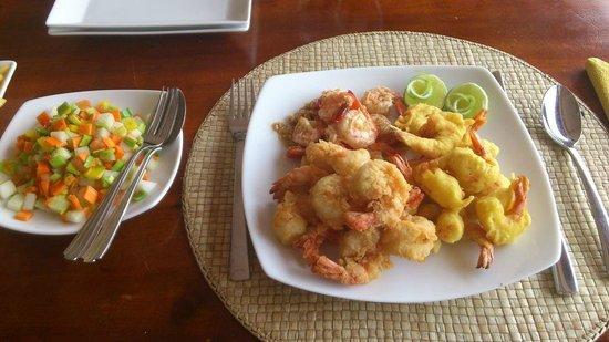 Kalla Bongo Lake Resort: Kalla Bongo special prawns