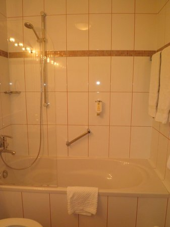 Lessing Hotel: bathroom